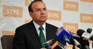 Alfonso Navarrete Prida, secretario del Trabajo y Previsión Social.