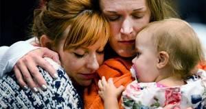 Renee Wetzel es madre de tres niños y viuda de Michael Wetzel, una de las 14 personas que murieron el 2 de diciembre.
