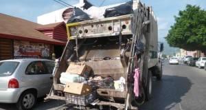 La mayoría de los camiones de basura de Victoria sufren fallas mecánicas.