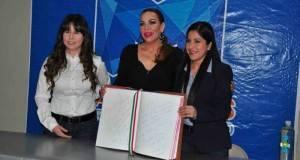 Lety y Lizy Salazar con la invitada especial de los matamorenses.