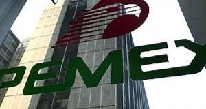 La petrolera indicó que el efecto su costo de financiamiento pasó de 51 mil 600 millones de pesos en 2014 a 67 mil 800 millones en 2015.