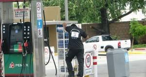 Las estaciones de servicio son supervisadas por personal de la Profeco.