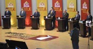 Los candidatos a Gobernador del Estado, anoche en el segundo debate del IETAM.