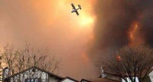 """La ciudad canadiense de Fort McMurray, permanece amenazada por incendios """"catastróficos""""."""