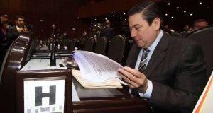 Baltazar Hinojosa Ochoa publicó una foto tras reincorporarse a las tareas legislativas.