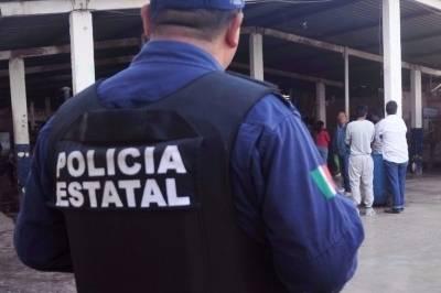 El grupo de custodios se manifestaron ayer por la mañana en las afueras del CEDES.