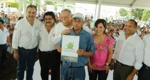 Rosario Robles Berlanga y el Gobernador Egidio Torre Cantú entregaron múltiples beneficios a familias de Altamira.