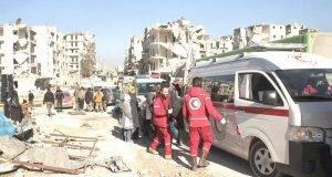 Rebeldes sirios quemaron varios autobuses y vehículos oficiales para impedir la salida de cientos de civiles.