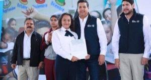 El Gobernador Francisco García Cabeza de Vaca inició la entrega de becas a más de 100 mil estudiantes.
