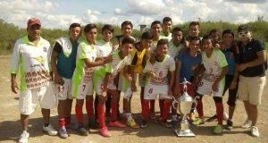 """LINCES, monarca de Copa del Torneo Juvenil """"A"""" del Fraccionamiento Luis Quintero."""