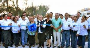 Alma Laura Amparán Cruz, inauguró la pavimentación a base de concreto hidráulico de la calle Ignacio Zaragoza.