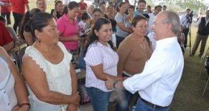 Jesús De la Garza Díaz del Guante en contacto permanente con colonos de Matamoros.