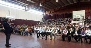 Este jueves arrancaron las magnas conferencias del programa de escuela para padres.