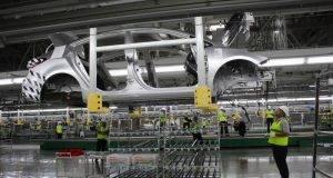 Kia Motors México inició la producción de un nuevo modelo de auto en su planta de Nuevo León.