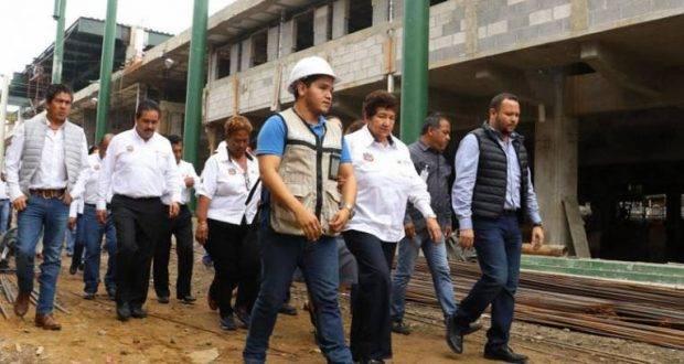 Magdalena Peraza Guerra, supervisó la construcción de los nuevos mercados municipales Juárez e Hidalgo.