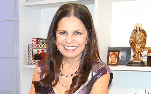 """AgenciasMéxico.-La productora de telenovelas Rosy Ocampo fue designada como Vicepresidenta Corporativa de Contenido de Televisa, cargo en el que supervisará la producción y el desarrollo de los contenidos que realiza la televisora en los géneros de telenovelas, series, unitarios comedia y concursos, informó la compañía en un comunicado.""""Rosy Ocampo es una de las productoras más experimentadas de Televisa, desde su ingreso en 1981 ha realizado más de 20 producciones y ocupado los cargos de Directora de Televisa Niños (2000 a 2005) y Directora de Innovación (2006 a 2016)"""", dice el documento.Entre sus producciones más destacadas están: 'El Diario de Daniela'; '¡Amigos X Siempre!'; 'Cómplices al Rescate'; 'Alebrijes y Rebujos'; 'La fea más bella'; 'Amor sin Maquillaje'; 'Las tontas no van al cielo'; 'La fuerza del destino'; 'Por ella soy Eva'; 'Qué pobres tan ricos'; 'Antes muerta que Lichita' y recientemente 'La doble vida de Estela Carrillo'.""""Además de ser muy prolífica y traer buenos resultados de audiencia, su enfoque en historias originales es un factor fundamental para esta etapa que comenzaremos a construir juntos hoy"""", comentó Isaac Lee, Chief Content Officer (responsable de contenidos) para Televisa y Univisión.La televisora también informó que José Alberto 'El Güero' Castro y Roberto Gómez Fernández (hijo de Roberto Gómez Bolaños 'Chespirito'), quienes han estado guiando el área de producción de San Ángel en los últimos meses, regresarán a enfocarse en la producción de contenidos. """"Ambos serán piezas claves en esta nueva etapa"""", dijo Televisa."""
