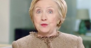 Hillary Clinton difundió un video para alentar la participación de las mujeres.