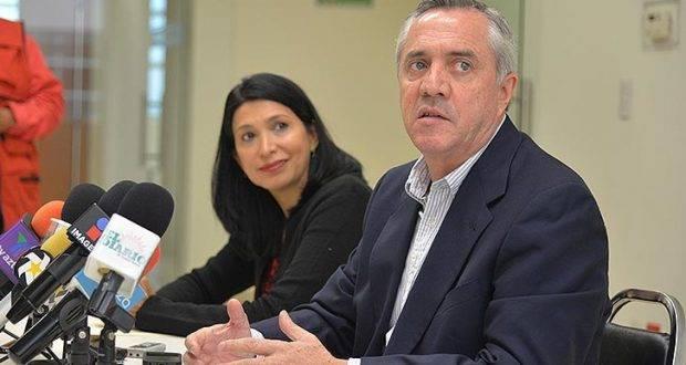 Alejandro Etienne, jura que los diputados del PRI están unidos.