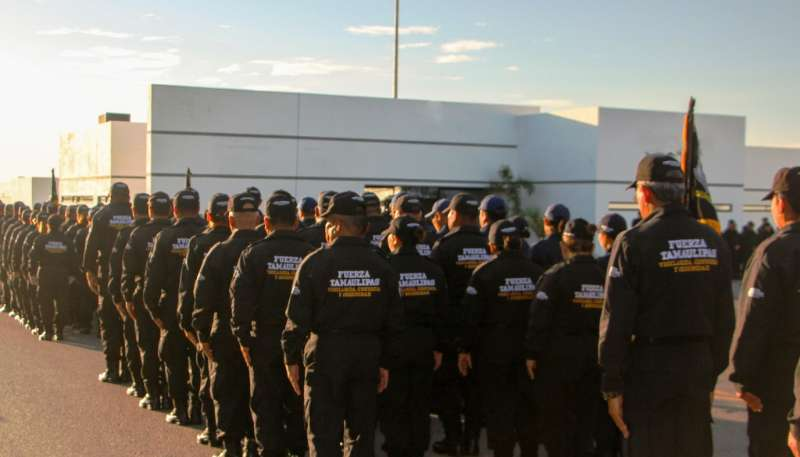 7 Portada Policías