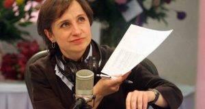 MƒXICO, D.F., 21FEBRERO2011.- Carmen Aristegui, periodista y conductora de la Primera emisi—n de MVS Noticias, regres— la ma–ana de hoy tras cesarla el pasado 7 de febrero por supuestas violaciones al c—digo de Žtica de la radioemisora. La comunicadora mencion— al inicio del programa  Ò Esuna victoria compartidaÓ de radioescuchas y empresa, que dio el paso y revirti— la medida, dijo.  FOTO: SAòL LîPEZ/CUARTOSCURO.COM