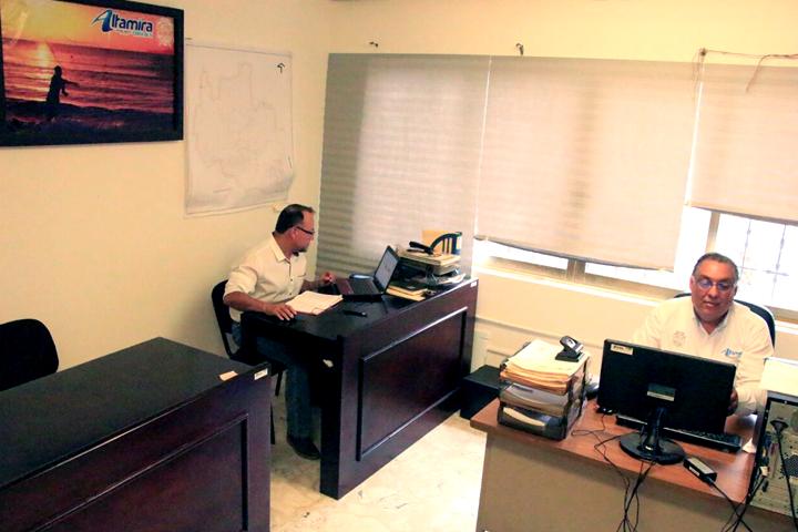 La direcci n de agricultura estrena oficina el gr fico for Direccion de la oficina
