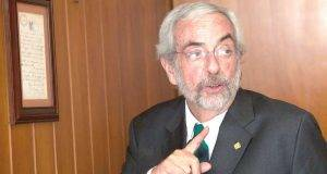 Enrique Graue Wiechers, director de la Facultad de Medicina de la UNAM.