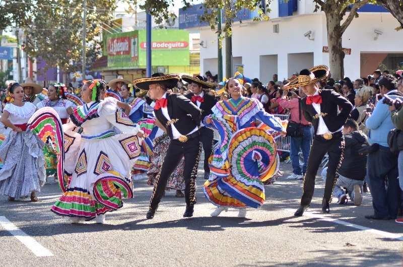 2 Portada Desfile
