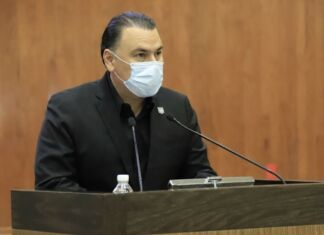 El Diputado Gerardo Peña Flores, propuso a nombre de su bancada del PAN, incorporar en el Código Penal para el Estado como delito de extorsión, el daño a la identidad o imagen profesional.